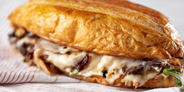 French Dip Chicken Sandwich