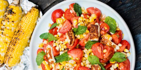 Grilled corn and halloumi salad