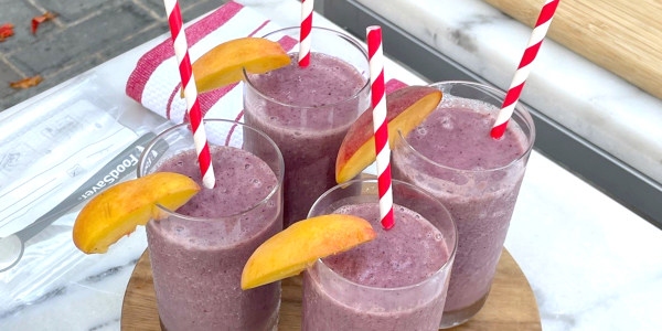 Peach and Berry Smoothie
