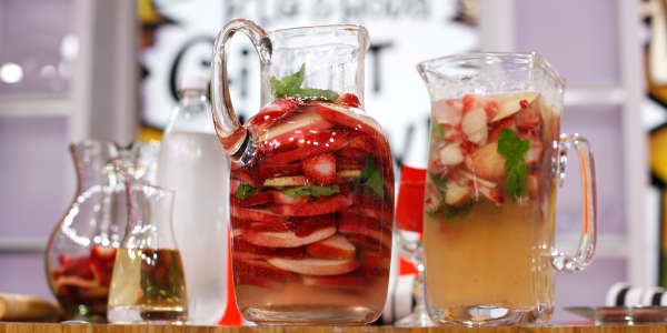 Low-Calorie Sparkling White Peach, Strawberry & Basil  Sangria