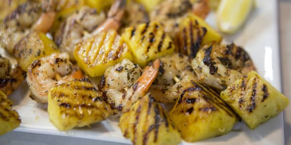 Grilled Garlic-Lemon Shrimp with Pineapple
