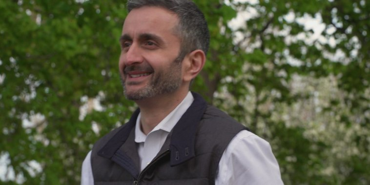 From Azerbaijan to Chicago, how this refugee escaped persecution and now gives back