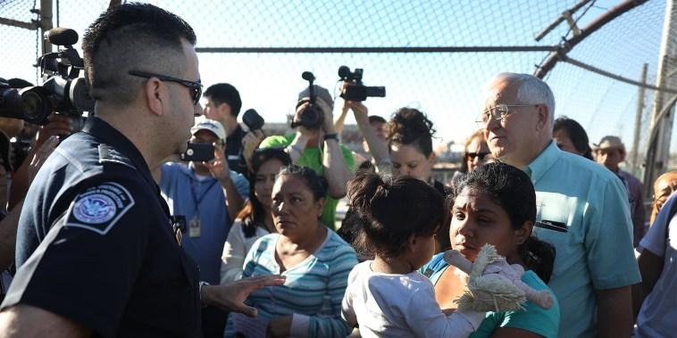 'At capacity': Asylum seekers face standoff at border between Ciudad Juarez and El Paso