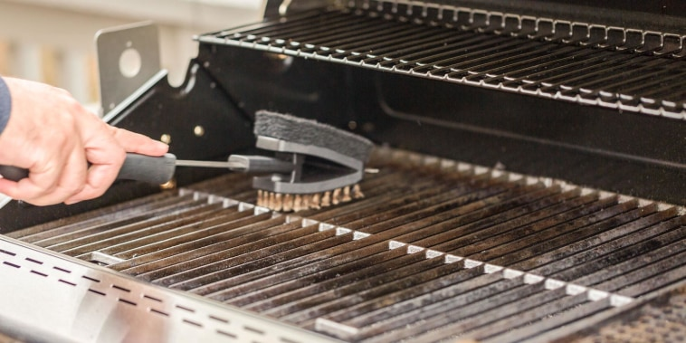 A better way to clean your BBQ grill