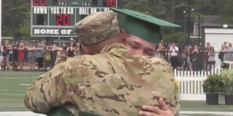 #GoodNewsRUHLES: Student gets big surprise at graduation