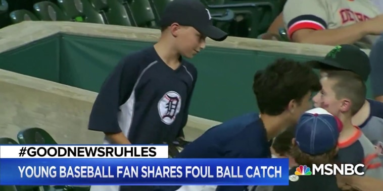 #GoodNewsRUHLES: Young boy gifts foul ball to another fan