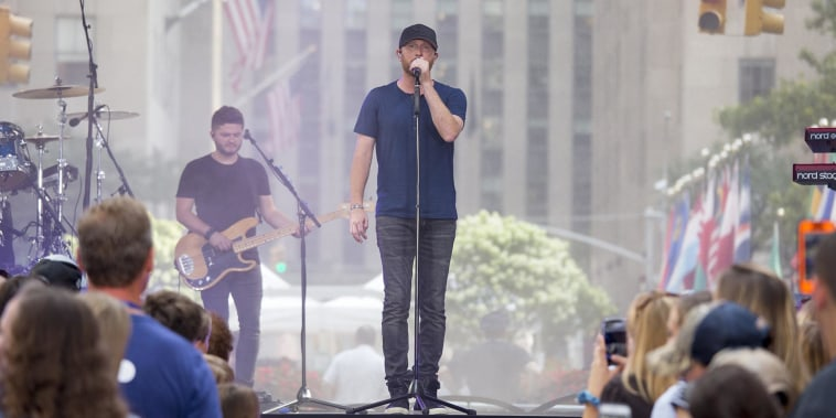 Watch Cole Swindell perform 'Ain't Worth the Whiskey' live on TODAY