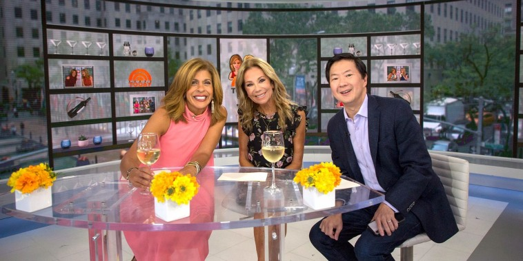 Celebrity Swipe! KLG and Hoda dig into Ken Jeong's phone