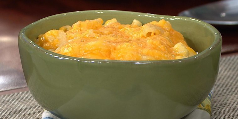 Get Siri Daly's delectable slow cooker mac and cheese recipe!