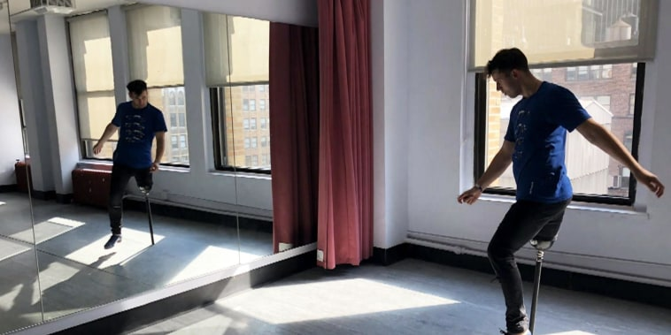 This 1-legged dancer is still making moves after cancer diagnosis