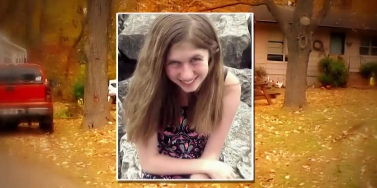 Teen missing after parents found dead at Wisconsin home