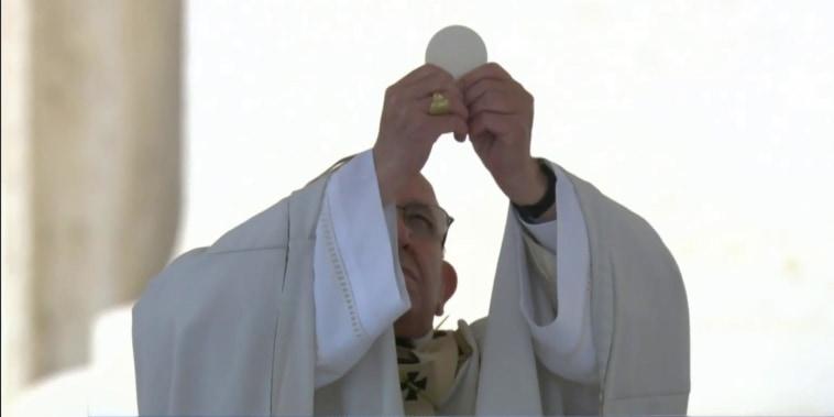 Pope Francis names seven new saints