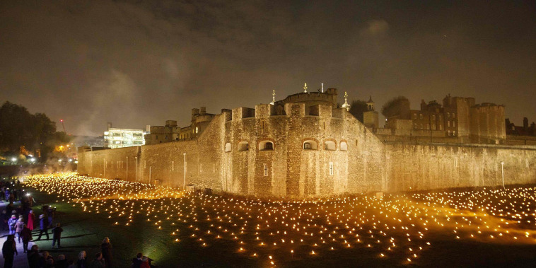 10,000 torches light Tower of London to mark 100 years since end of WWI