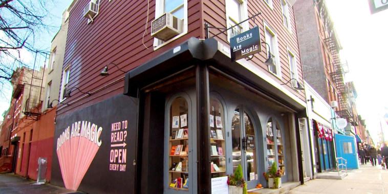 'Books Are Magic': Jenna Bush Hager visits her favorite bookstore