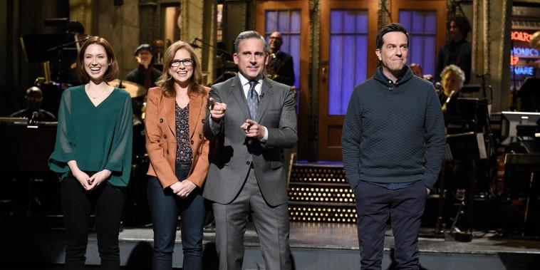 Steve Carell hosts a surprise mini 'Office' reunion on 'SNL'