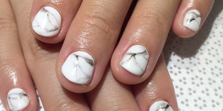 Marble nail trend