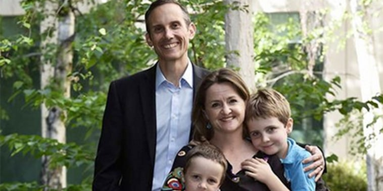 And the award for most adorable christmas card photo goes to... #auspol ht @ALeighMP
