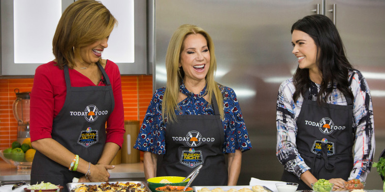 Katie Lee joins TODAY to make tasty tailgating recipes