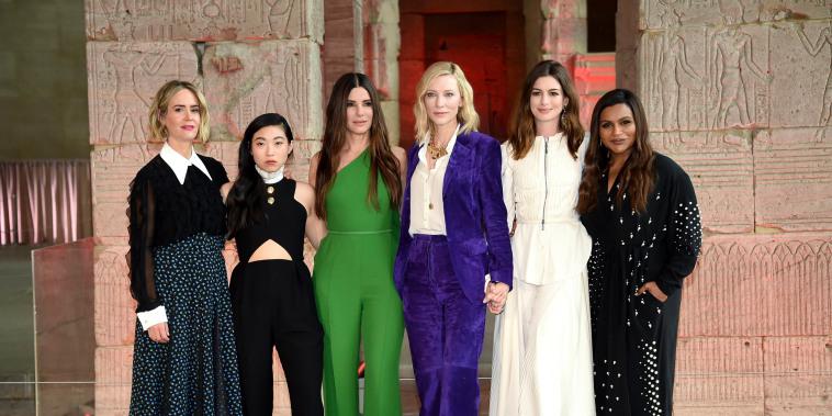Image: Sarah Paulson, Awkwafina, Sandra Bullock, Cate Blanchett, Anne Hathaway, Mindy Kaling