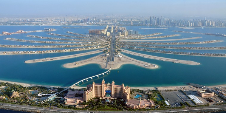 Image: Aerial view of Atlantis hotel Dubai