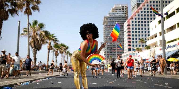 Image: Gay Pride parade in Tel Aviv