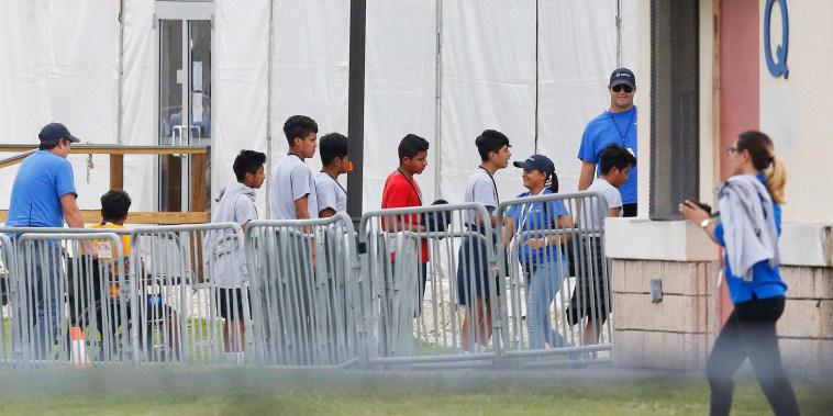 Image: Migrant children