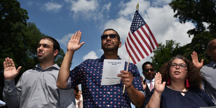 Image: A naturalization ceremony at George Washington's Mount Vernon estate
