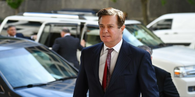 Image: Paul Manafort arrives for a court hearing