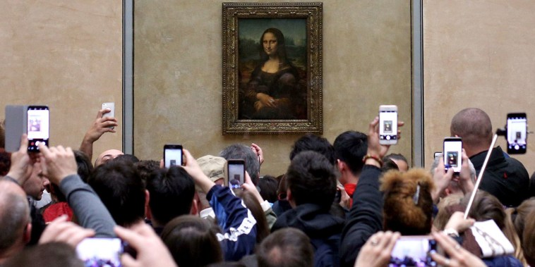 Image: Mona Lisa at the Louvre