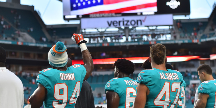 Image: NFL: Tampa Bay Buccaneers at Miami Dolphins