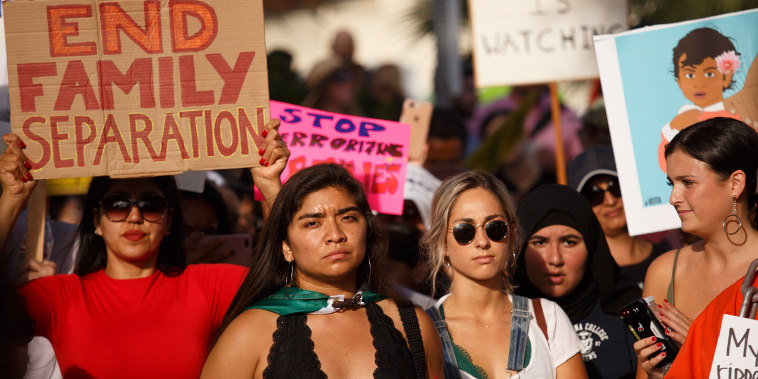 Image: Protest against immigrant family separations in Los Angeles