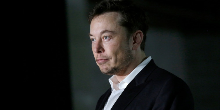 Image: Elon Musk of The Boring Company listens as Chicago Mayor Rahm Emanuel talks about constructing a high speed transit tunnel
