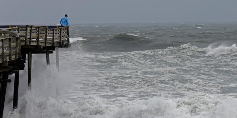 Image: Heavy surf North Carolina