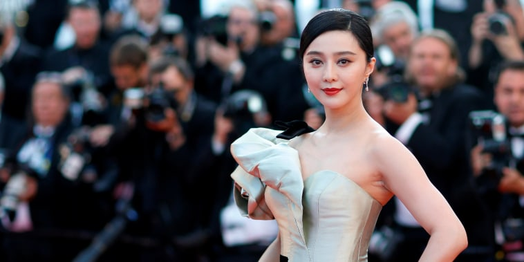 Image: Fan Bingbing poses on the red carpet during the Cannes Film Festival