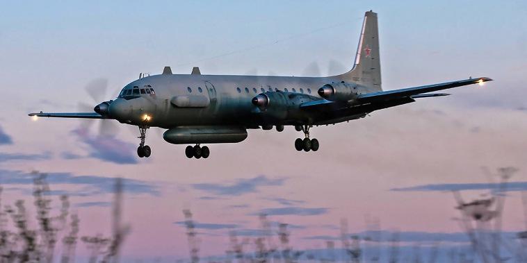 Image: Russian IL-20M (Ilyushin 20m) plane landing