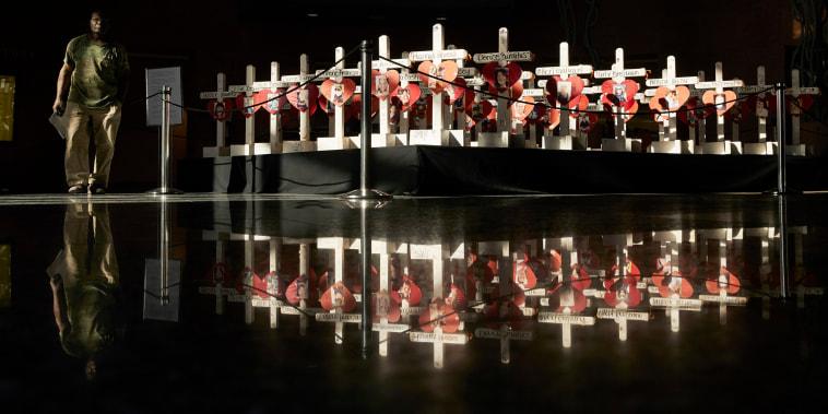 Image: Las Vegas shooting memorial