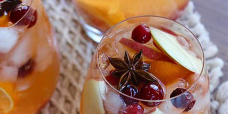 fall sangria recipe, Thanksgiving sangria, fall cocktails