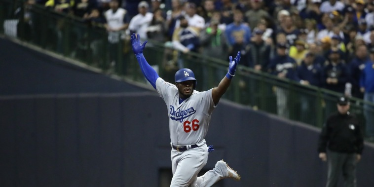 Image: League Championship Series - Los Angeles Dodgers v Milwaukee Brewers - Game Seven