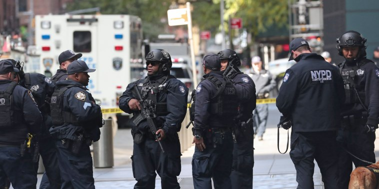 Image: Police outside Time Warner Center