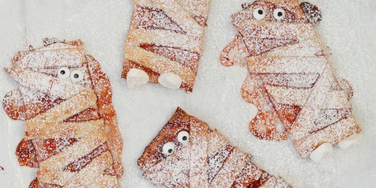 Mini Mummy Pies