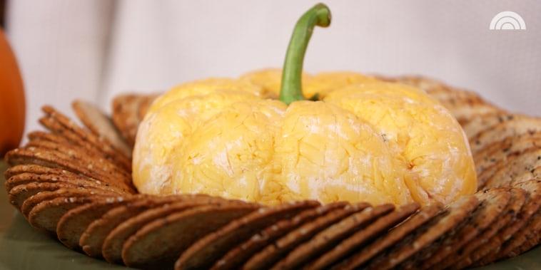 Party Pumpkin Cheese Ball