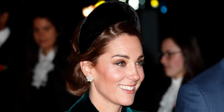 Duchess Kate is bringing the headband back.