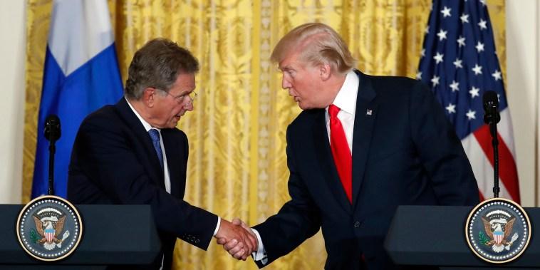Image: Donald Trump shakes hands with Sauli Niinisto