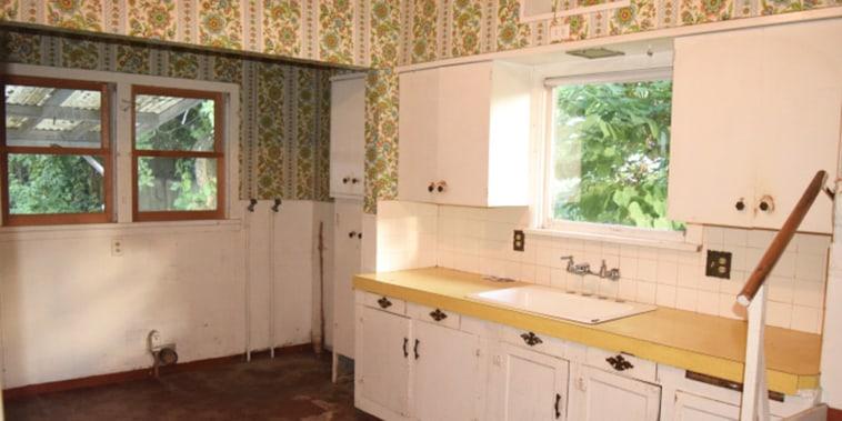 A grimy 1930s kitchen gets a sleek and modern update