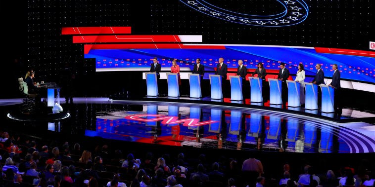Image: Democratic 2020 U.S. presidential candidates pose together before the start of the second night of the second U.S. 2020 presidential Democratic candidates debate