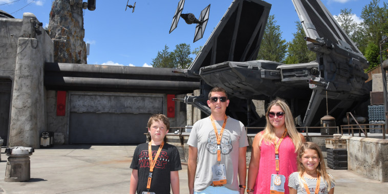 tips for parents taking kids to Galaxy's Edge