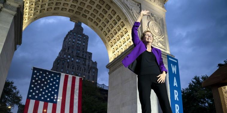 Image: ***BESTPIX*** Elizabeth Warren Delivers Campaign Speech in NYC's Washington Square Park