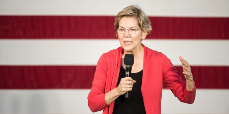 Image: Presidential Candidate Elizabeth Warren Holds A Town Hall In South Carolina
