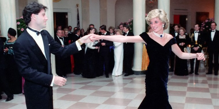 Diana, Princess of Wales dances with actor John Travolta during a White House Gala Dinner November 9, 1985 in Washington, DC.