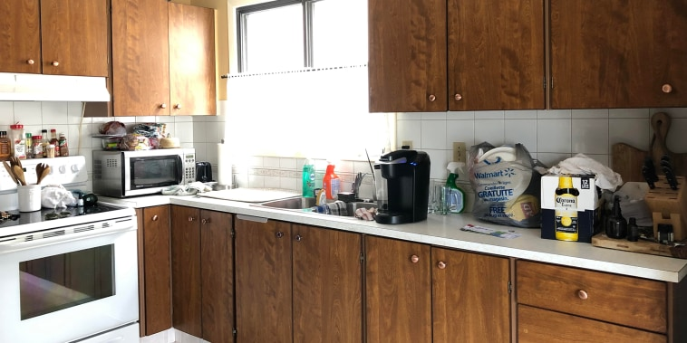 A dark and ugly kitchen gets a chic DIY makeover for less than $600